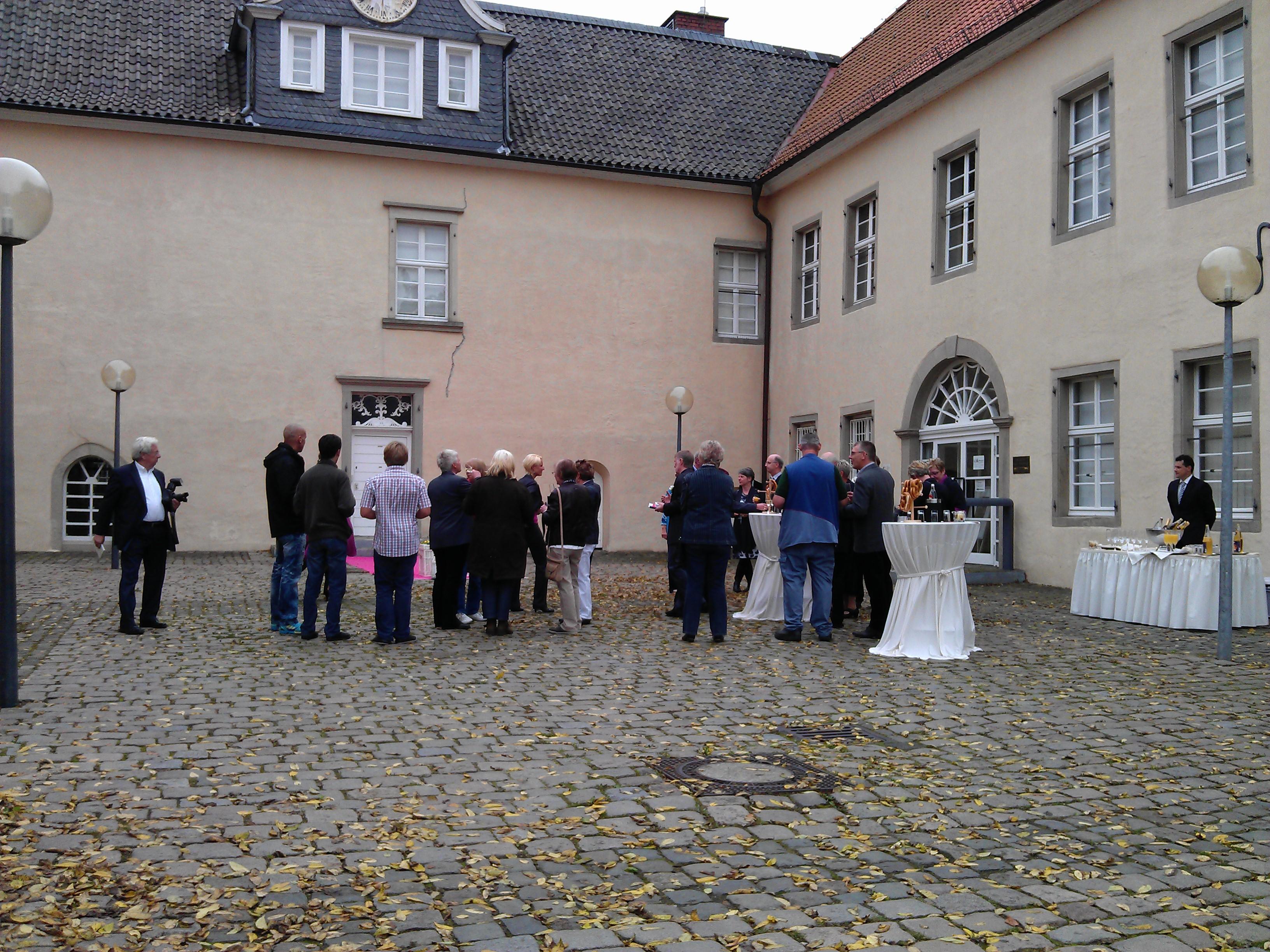 Sektempfang Schloss Martfeld Schwelm -2 | ©ihrehochzeitstauben