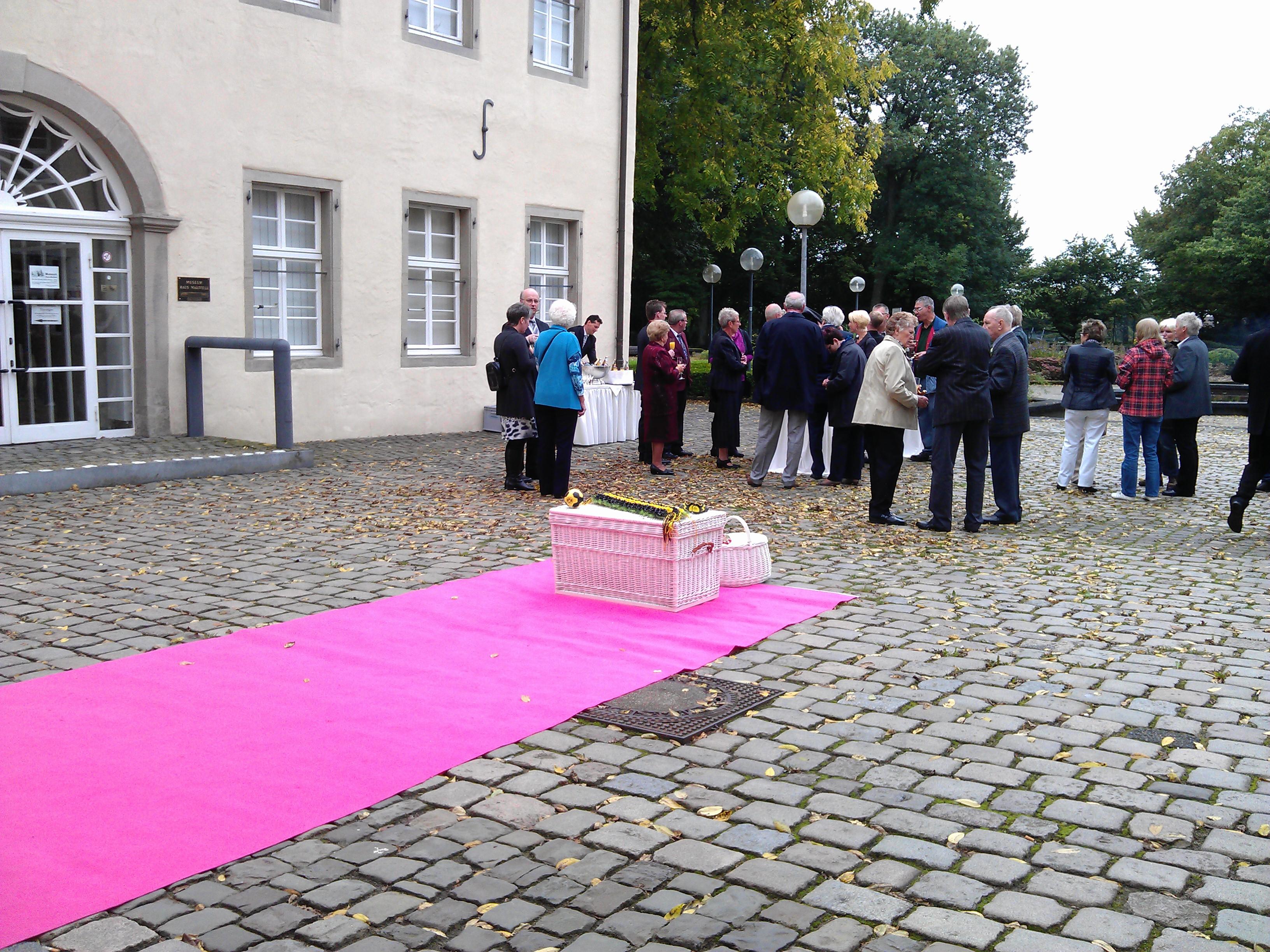Sektempfang Schloss Martfeld Schwelm -8 | ©ihrehochzeitstauben